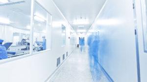 Reinraumreinigung, Hygiene für Pharma und Lebensmittelbereiche - 155280784 300x168