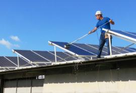 Solar-Anlagen-Reinigung