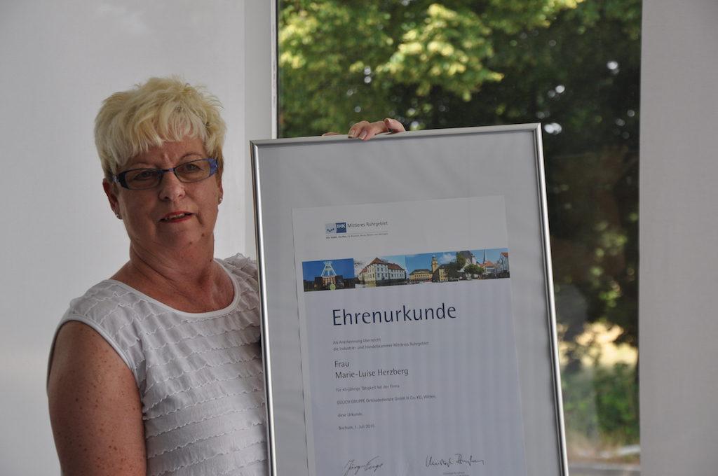 45-jähriges Arbeitsjubiläum unserer Kollegin Frau Marie-Luise Herzberg - jdYAn6EL06pK 1024x680