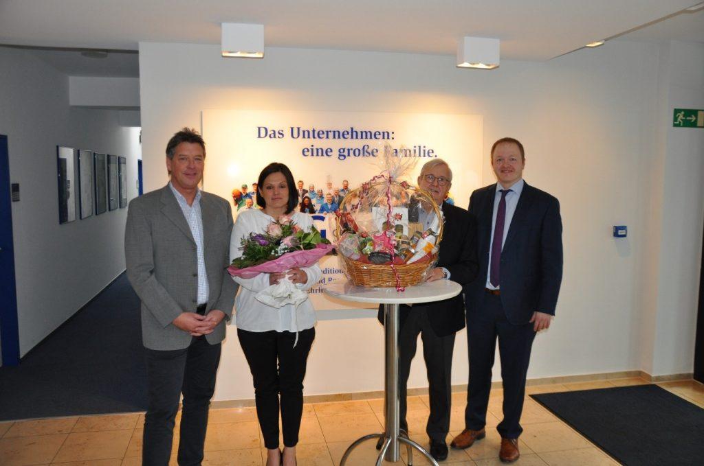 Gratulation zum 20-jährigen Dienstjubiläum von Annette Lusiak - Foto Lusiak 1024x679